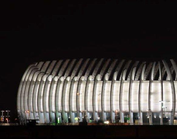 Arena Zagreb, upravljanje rasvjetom